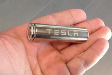 特斯拉一边造车一边造电池?