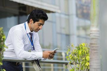 """在印度""""离开""""微信的日子:找VPN 用回邮件"""