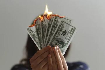 揭秘9.9元理财课:被忽悠的学员与致富的卖课人