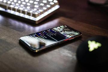 沉迷手机消磨时间背后,我们需要救救网瘾父母