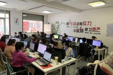 探访山东跨境电商村:留守农妇脸书卖货月收入破万