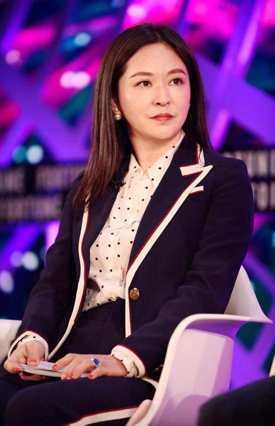 「凤凰娱乐会不会黑你」中国第一大神棍将倾:14岁辍学练气功26岁控股百亿,搞残健力宝