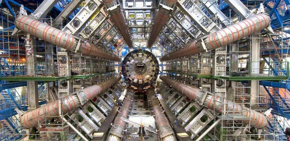高能物理学者回应杨振宁反对中国建对撞机:盛宴正酣!