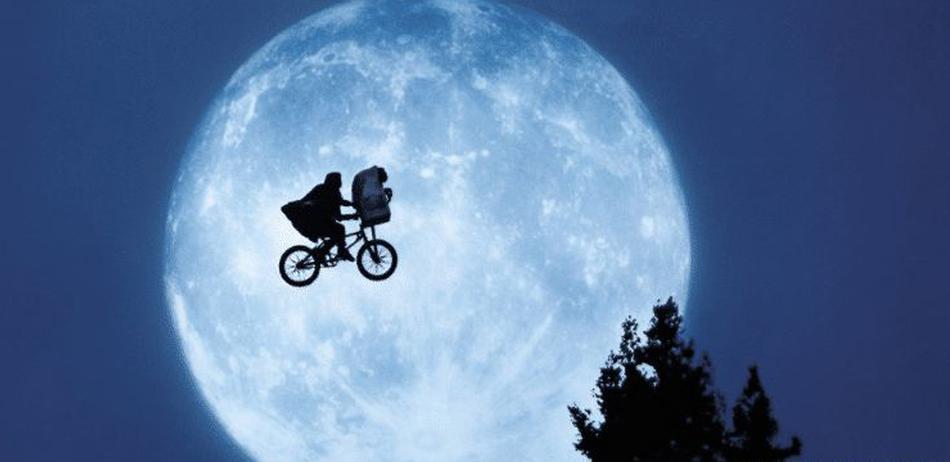 骑自行车到月球需要多长时间?24小时不停仅需267天!
