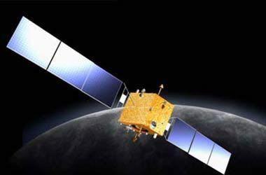 2007年10月24日18时05分,搭载着我国首颗探月卫星嫦娥一号的长征三号甲运载火箭在西昌卫星发射中心三号塔架点火发射。图为嫦娥一号