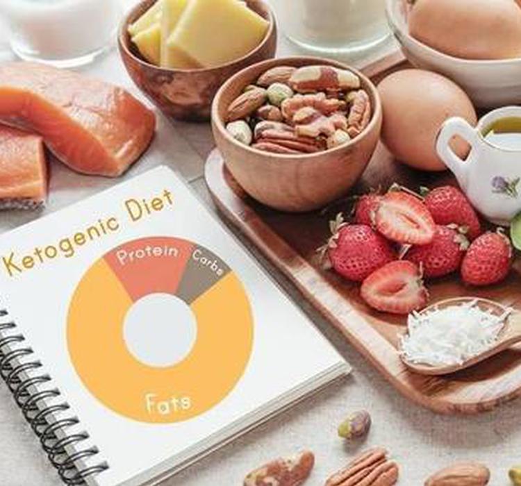 """""""生酮饮食""""或可改变肠道真菌菌群从而降低阿尔茨海默病风险"""