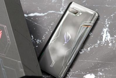 华硕ROG游戏手机2图赏