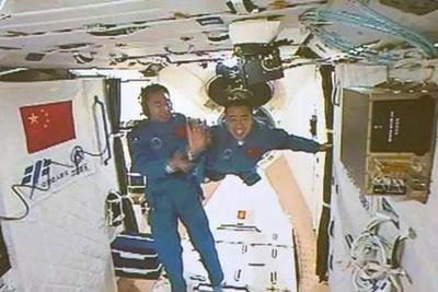 据说中国空间站要搞事情?听听两会委员怎么说!