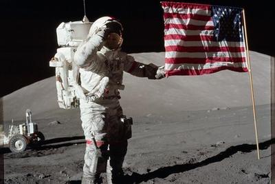 时隔46年!美国登月前哨站立项:重返月球