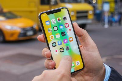 苹果要求三星降低OLED面板价格 推动iPhone销量增长