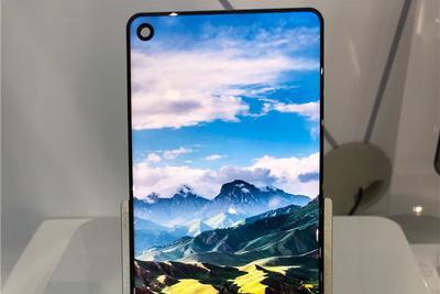 天马推无刘海全面屏,也许是国产最高屏占比屏幕