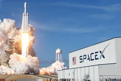 SpaceX猎鹰重型火箭获美空军认证:拿下1.3亿美元合同