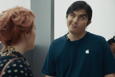 三星发新广告嘲笑苹果:iPhone X下载速度不如S9