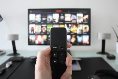 激光电视和智能投影 究竟谁才是消费者首选?
