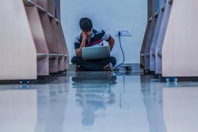 收入达到预期的科研人有15%,多数人并不后悔读研读博