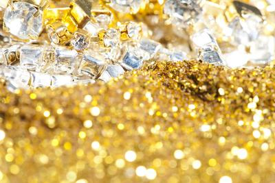 钻石恒久远 黄金很珍贵 但究竟哪个更稀有呢?
