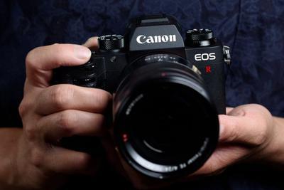 佳能正式发布EOS R系统、EOS R全画幅专微和RF镜头
