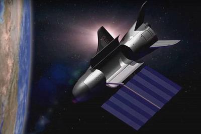 美国无人太空飞机执行第五次任务已一年 目的仍未知