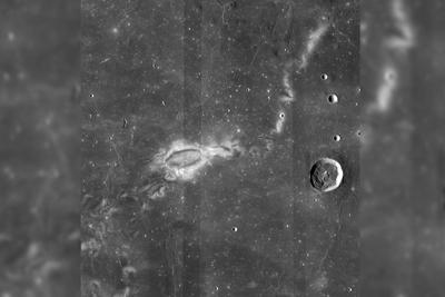 月球表面神秘漩涡:可能是地下远古磁性熔岩所致