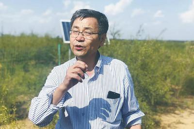 """土壤物理学家邵明安:笑称自己是个""""玩泥巴的"""""""