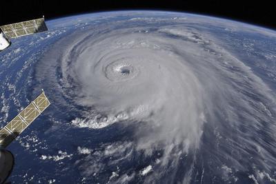 """全球陷入""""风暴灾难"""":九大风暴同时席卷而来"""