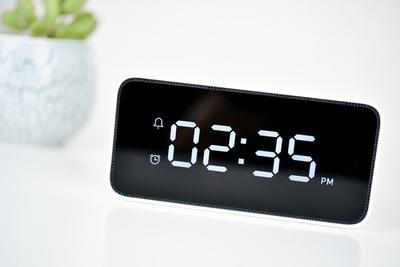 小米小爱智能闹钟:比普通闹钟厉害在哪?