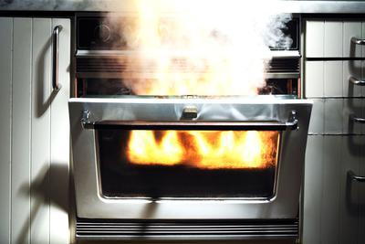 连续两起美的家电起火 西安消费者要求彻查起火原因