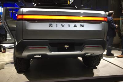 传亚马逊与通用汽车将投电动车企Rivian 获少数股权