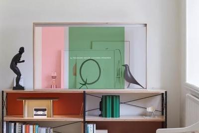 松下将OLED显示屏融于家具中