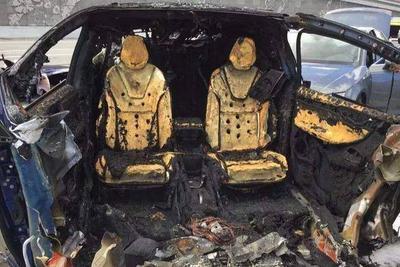 特斯拉烧完蔚来烧,自燃险救不了烧糊的电动车