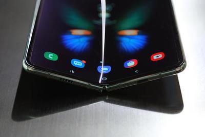 三星Galaxy Fold悲剧了 折叠屏手机还有戏吗?