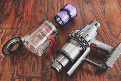 戴森V11无绳吸尘器体验:不只是加了屏幕这么简单
