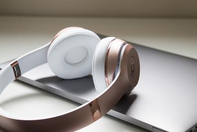 花3万买了26个假Beats耳机 消费者获赔16万