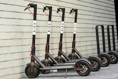电动滑板车初创公司Bird达成收购竞争对手Scoot协议