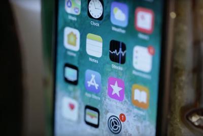 传三星显示要求苹果赔偿:OLED面板出货量不?#38712;?#26399;