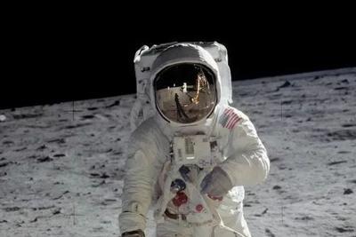 纪念人类登月50周年之——宇航服的变迁