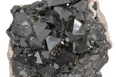 太神奇!为什么人类大脑中会生成磁铁矿物质?
