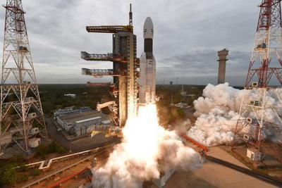 为什么印度月球探测器要飞行7周才能到达月球?