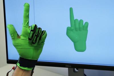 新型智能手套采用弹力感应技术 可实现高精手势捕捉