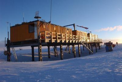 南极积雪中发现宇宙尘埃 可能来自远古遥远超新星_网赚新闻网