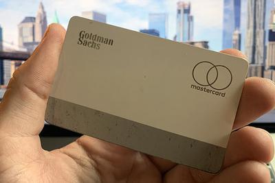 Apple Card钛金属卡虽然漂亮 但也容易磨损