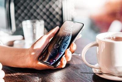 55%的用户计划一部手机用三五年,换机欲望变低