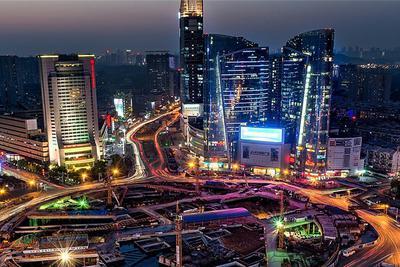 一个人赚钱软件排行榜_追赶8年 武汉离互联网第一梯队城市还有多远?