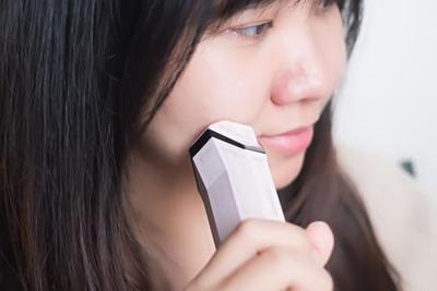 用上inFace射频美容仪 在家也可以美美地做脸