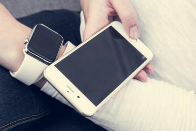 美国iPhone用户智能手表购买量是安卓的两倍