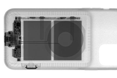 X光照射苹果智能电池壳  看看新增的拍照键如何工作