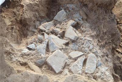 秦咸阳城遗址核心区发现石铠甲制作遗存