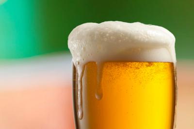 他们造出了持久泡沫的啤酒,能挺到最后一口