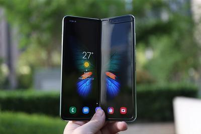 新一代三星折叠屏手机价格腰斩:最低仅需6000元