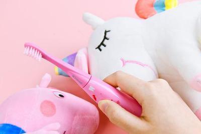 刷完跑个分 佳洁士S7000K儿童智能电动牙刷评测